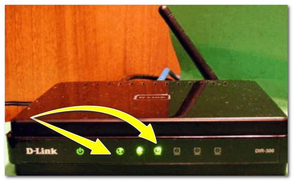 На роутеру загорелись светодиоды (в том числе, загорелся светодиод, отвечающий за LAN-порт)